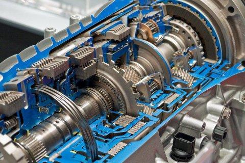 Новые правила для иностранных автопроизводителей - двигатели и коробки передач производить в России.